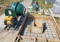 基礎工事の作業風景です